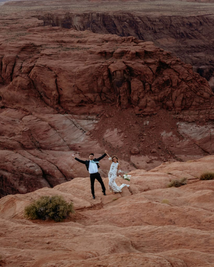 Bride and groom celebrate elopement at Horseshoe Bend