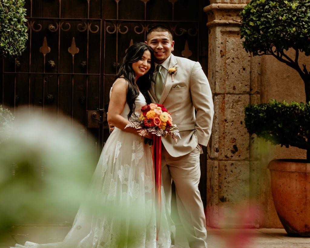 Wedding portraits in front of the Tlaquepaque Chapel