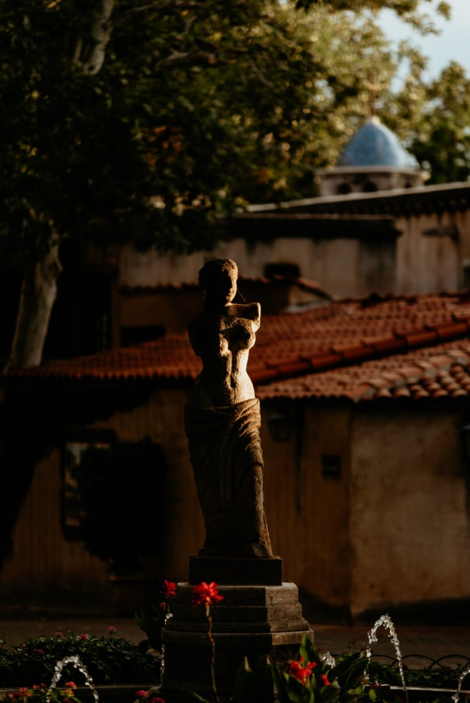 Statue in the Tlaquepaque courtyard